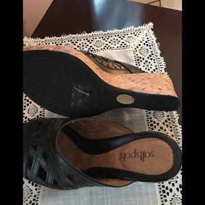 Softspots Shoes - NEW Softspots Black Wedge Sandals Size 7.5M